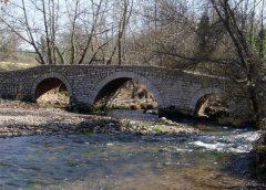 Μεσαιωνικό Γεφύρι στην περιοχή της Δάφνης
